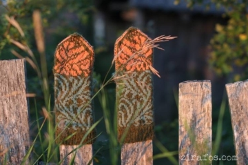 """Hand knitted mittens """"Tiger Lilies"""""""